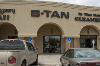 B tan wichita tanning salons for 360 tanning salon