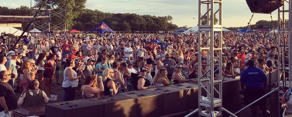 Dam Music Fest Crowd