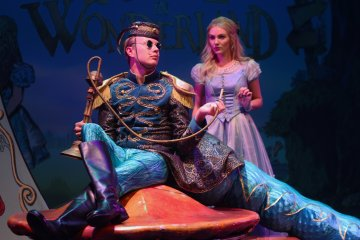 Alice In Wonderland Live