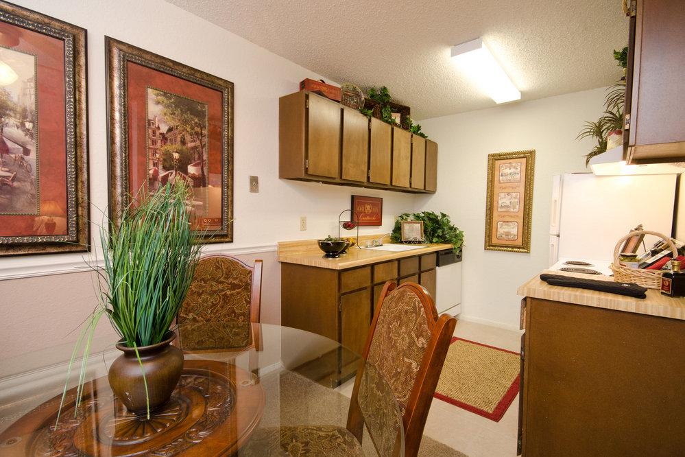 fox run apartments - wichita apartments