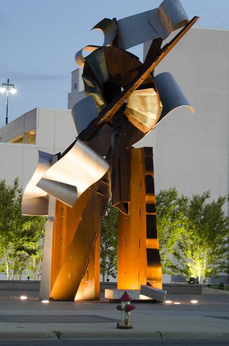 Paragon (Waterwalk Statue)