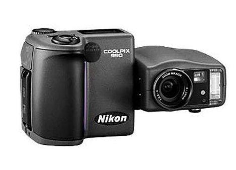 Nikon\'s twisty CoolPix 990