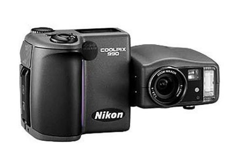 Nikon\'s twisty CoolPix 990
