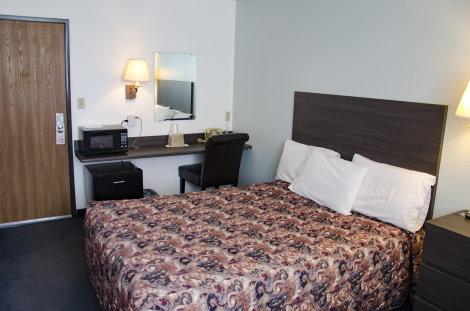 Scotsman Inn room