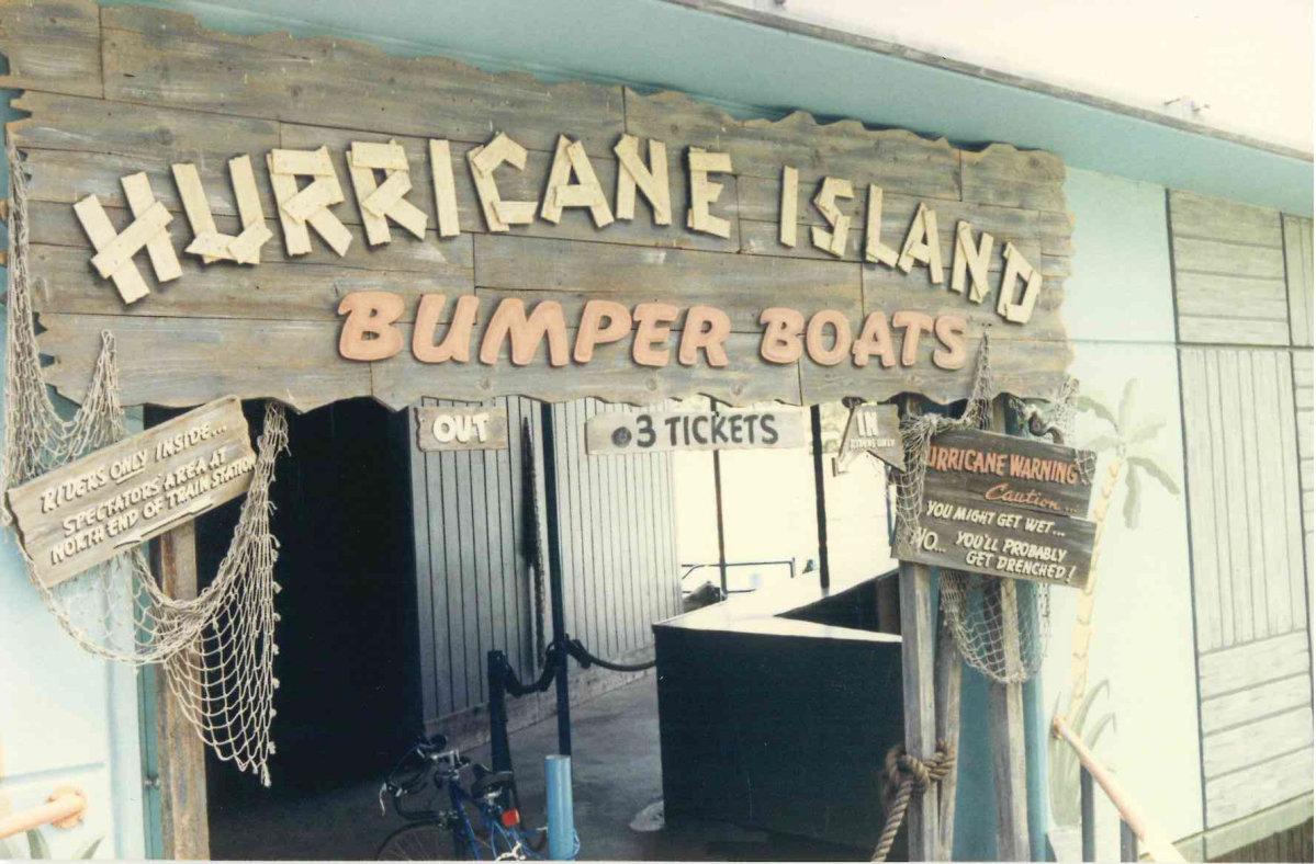 Joyland Hurricane Island Bumper Boats