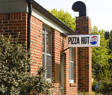 Pizza Hut Opens On Campus