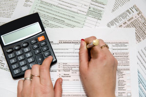 IRS  Moves back Tax Deadline