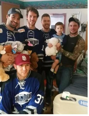 Thunder Players Visit Hospital